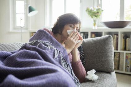 Kein Schlaf aufgrund von Halsschmerzen oder Erkältung?